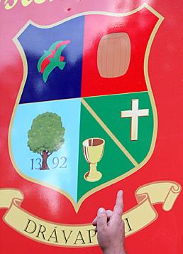 Drávapiski település címere