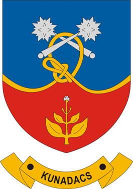 Kunadacs település címere